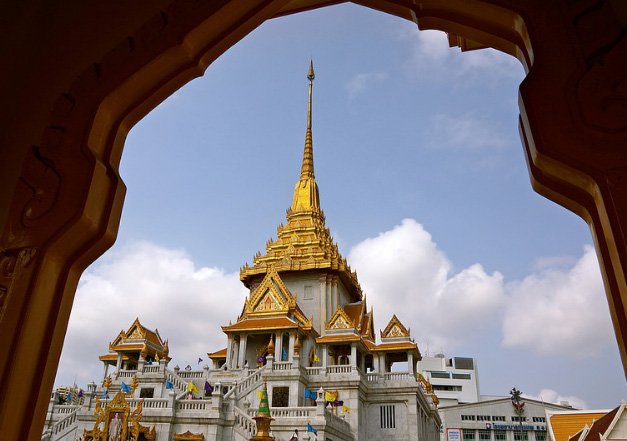 Wat Traimit Thailand
